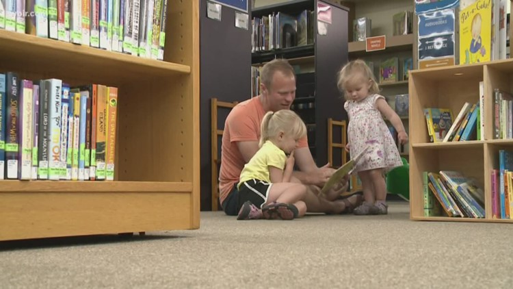 Tennessee DOE offering families free decodable book series to teach young readers