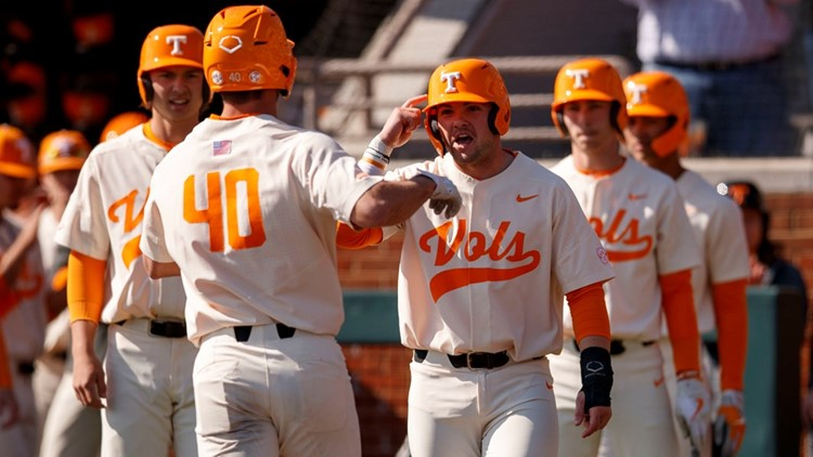 Walk-off homerun lifts Tennessee past No. 1 Arkansas, sets up important series finale