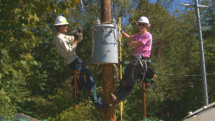 East Tennessee woman becomes first female powerline technician to graduate from TCAT