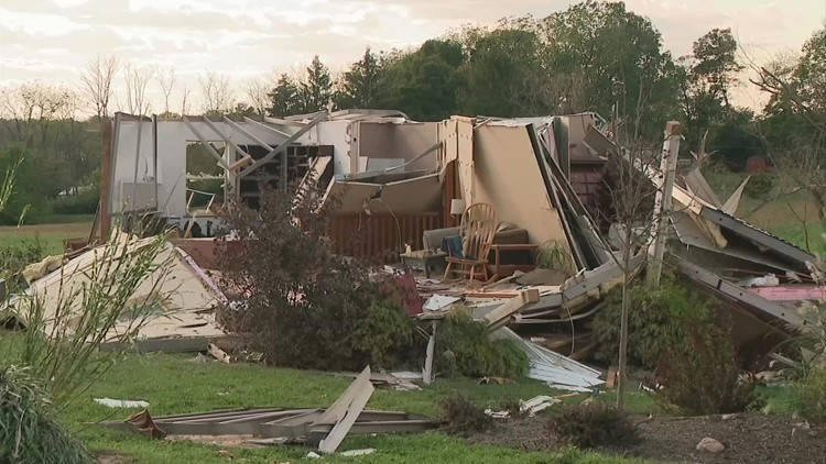 Residents cleaning up from 3 tornadoes in Ross County
