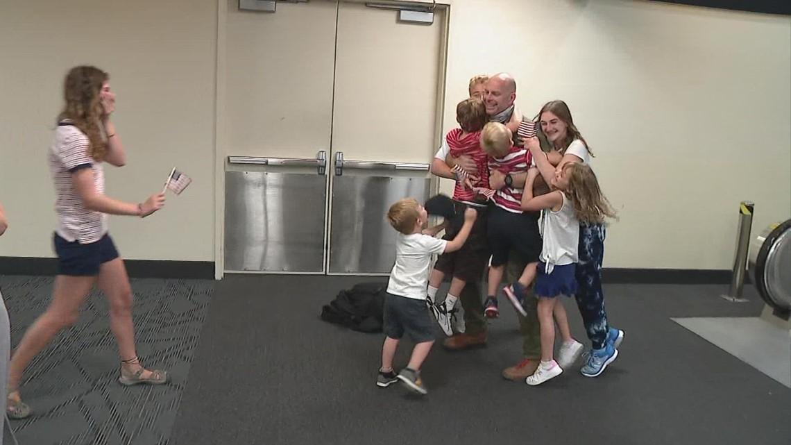 U.S. Airman returns to home to his family