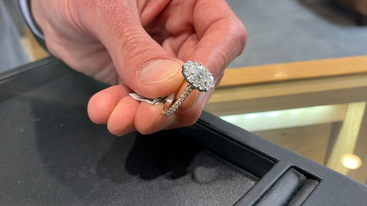 Rush for engagement rings now that travel resumes