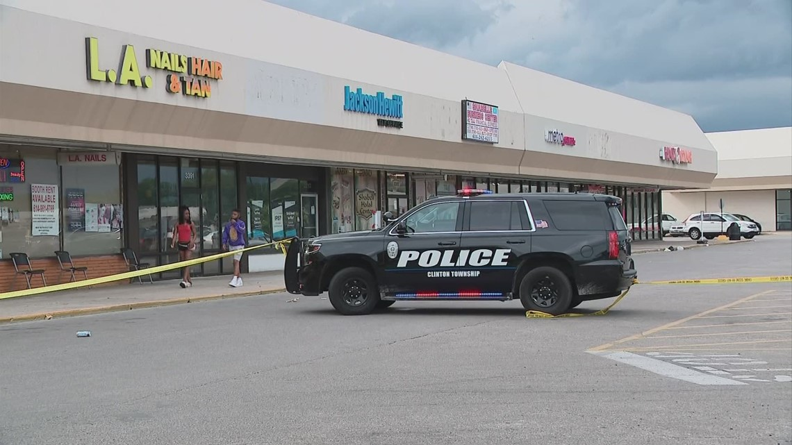 2 teens shot outside Northern Lights Shopping Center