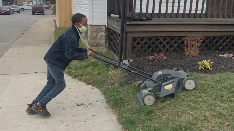 Neighbors help keep 5th grader's lawn care business going
