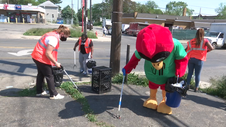 Cleaner Columbus offers pay for those who help pick up trash