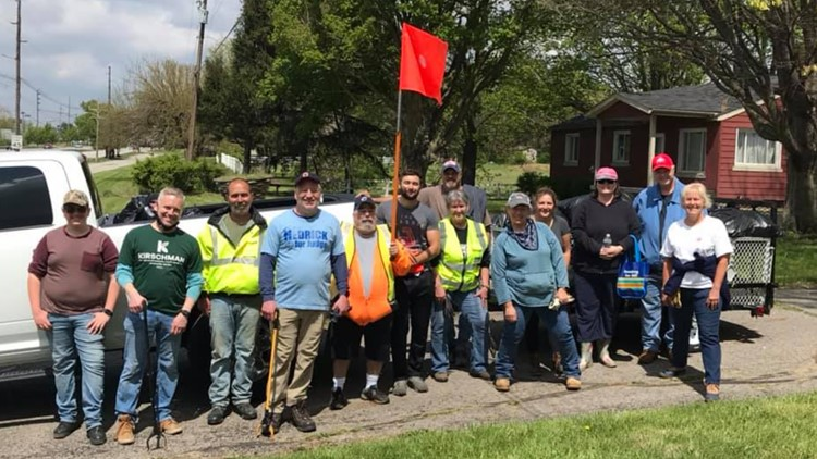 Volunteer group picks up thousands of pounds of trash in south Columbus