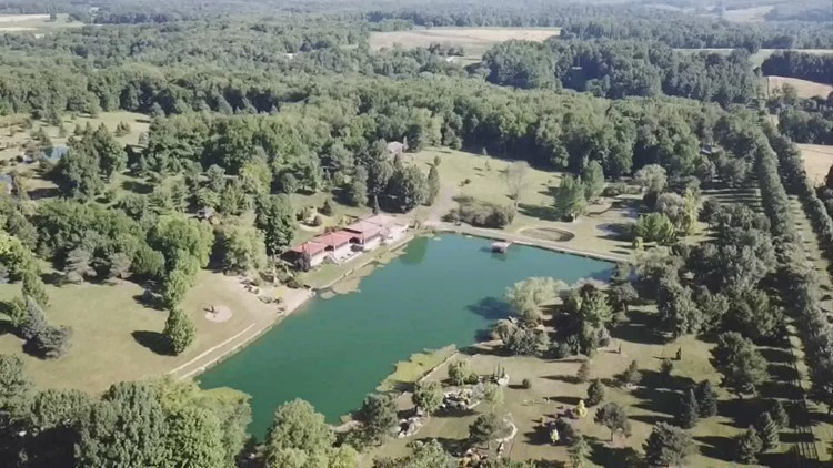 A look at Schnormeier Gardens in Knox County