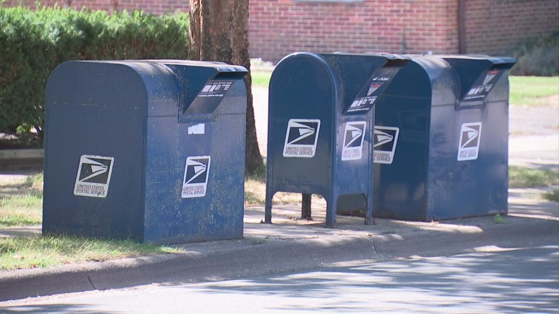 Postal Inspector investigating thefts from blue USPS mailboxes