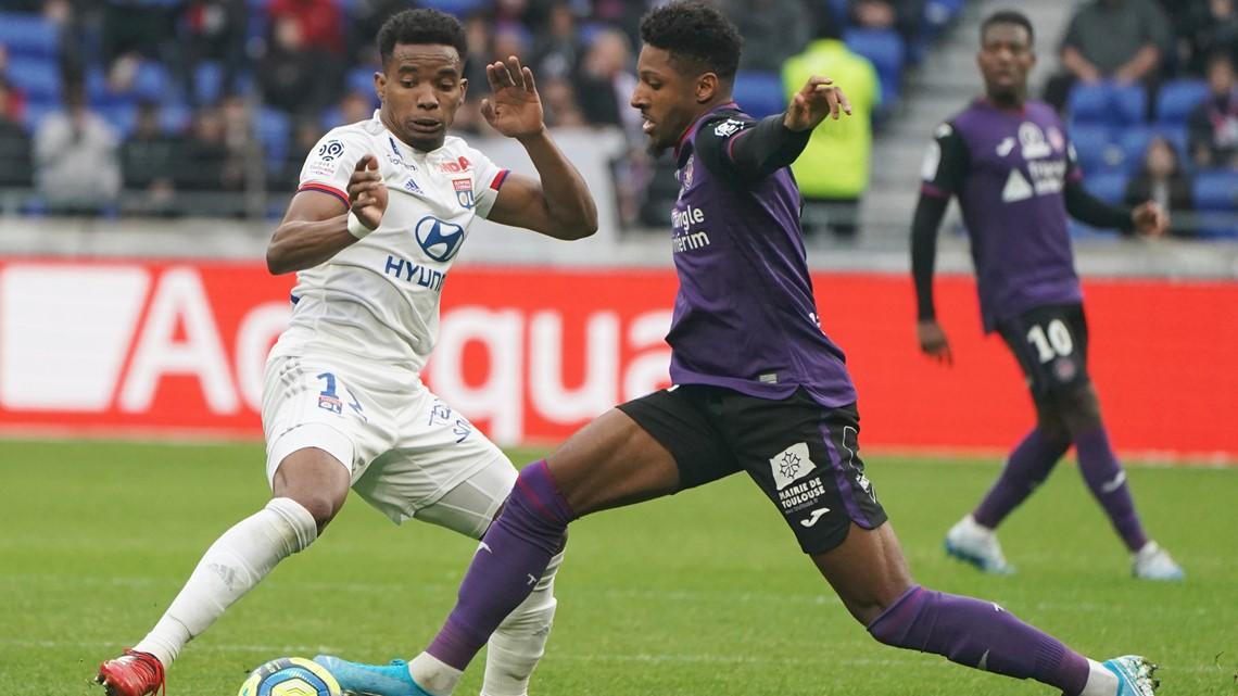 Columbus Crew sign French defender Steven Moreira