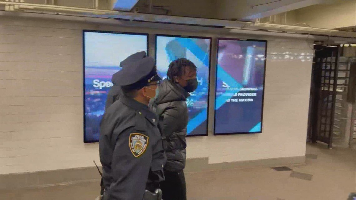 Ohio 18-year-old with semi-automatic rifle arrested at Times Square subway station