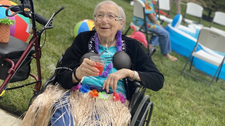Grove City retirement community hosts Hawaiian-themed pool party for residents
