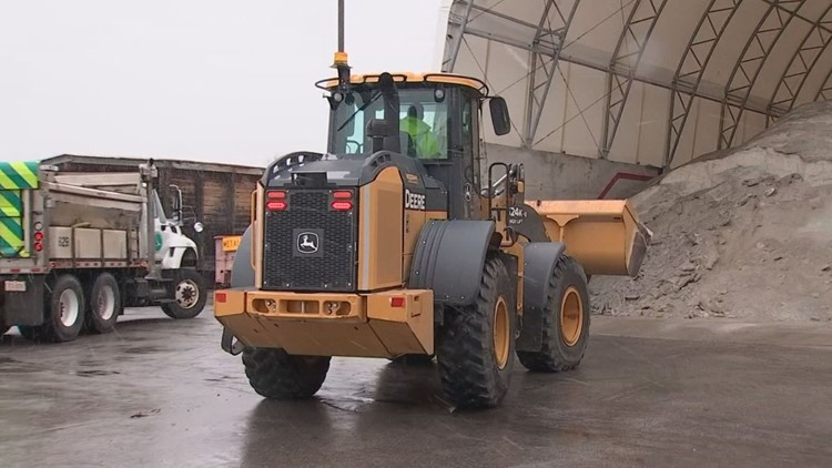 ODOT crews working to maintain safe roads during weekend snow storm