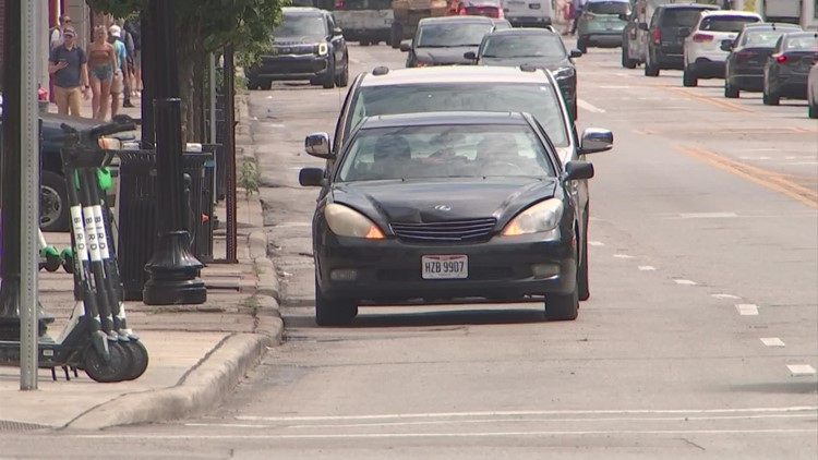 Columbus police investigating back-to-back car thefts they say targeted delivery drivers