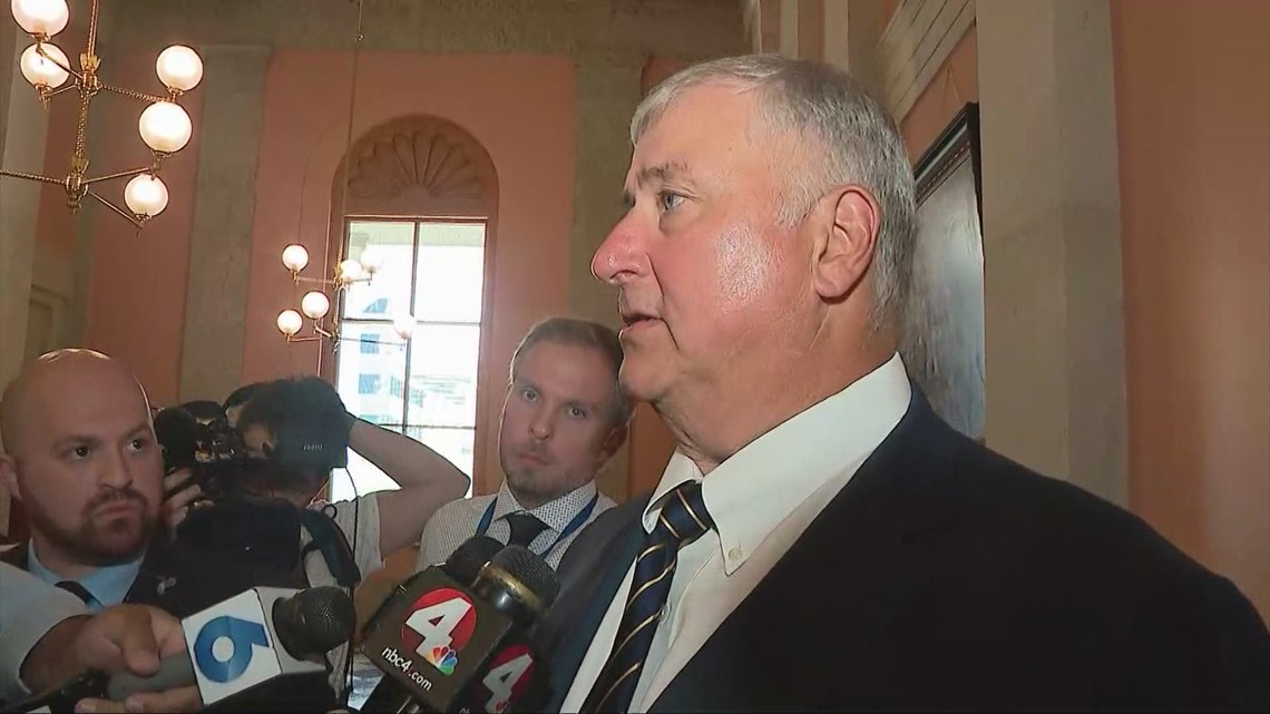 Former Speaker Larry Householder reacts to House decision to expel in historic vote