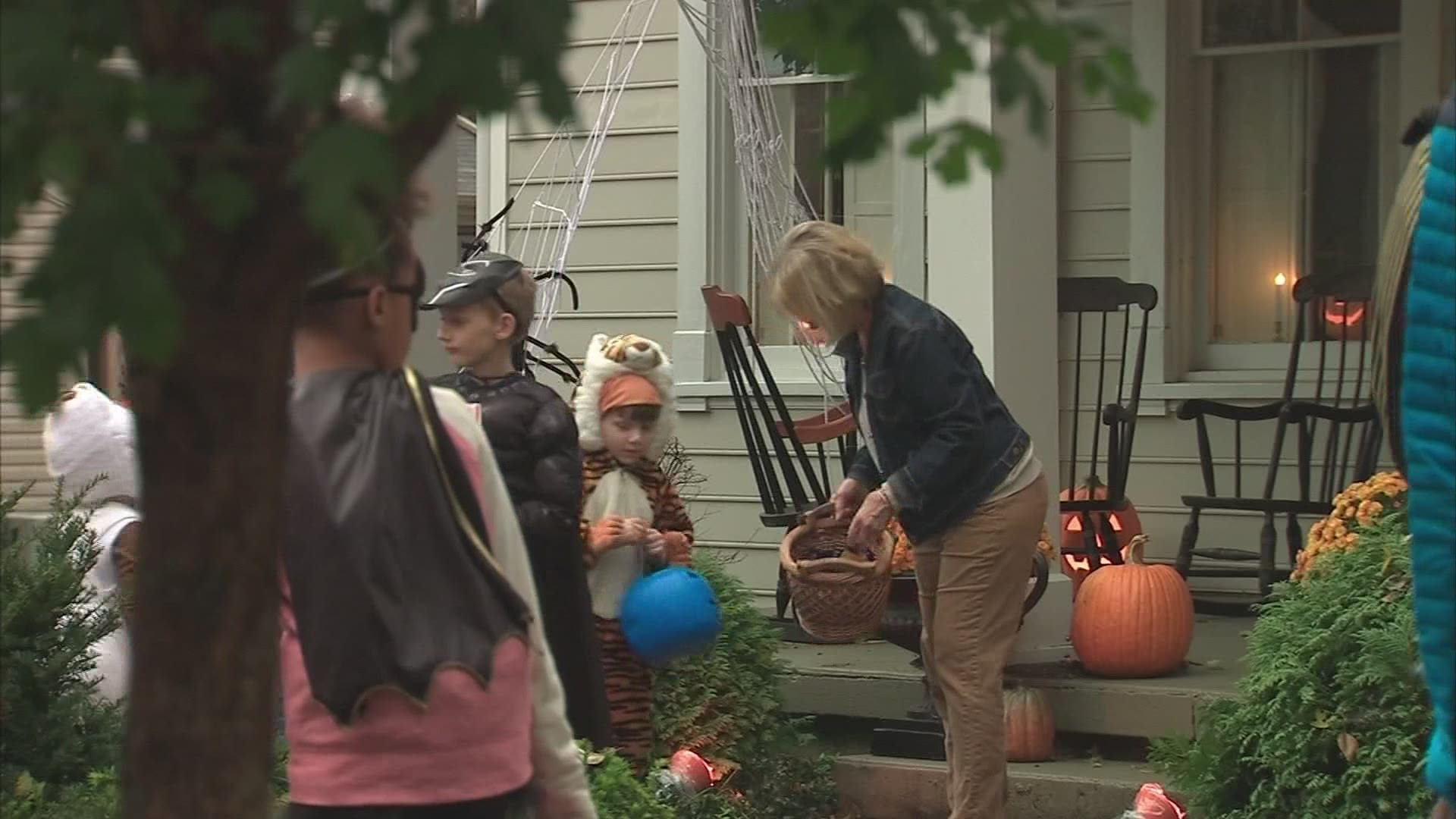 Cdc Shares Covid 19 Guidance For Halloween Thanksgiving And More 10tv Com