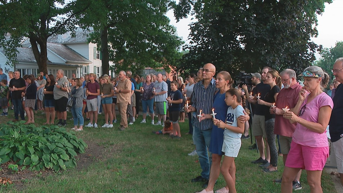 Lithopolis community holds vigil in honor of 9-year-old girl killed in crash