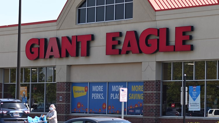 Giant Eagle reinstating mask requirements for employees; masks recommended for guests