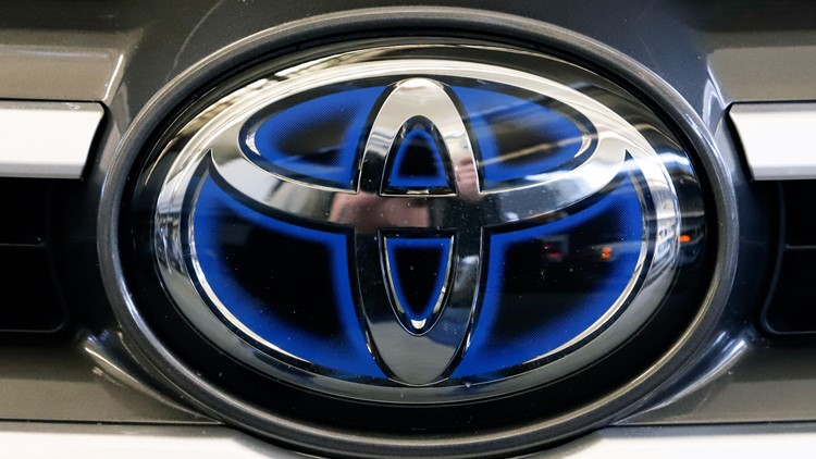 Toyota recalling 373,000 Venza SUVs for air bag wiring problem