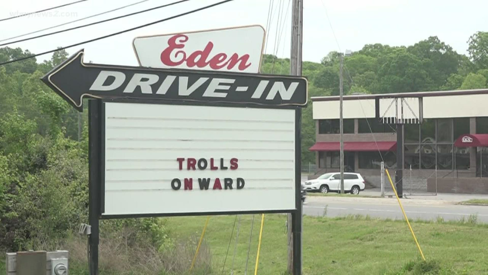 Eden Drive In Movie Theater Expects To Attract A Big Crowd On Opening Day Wqad Com