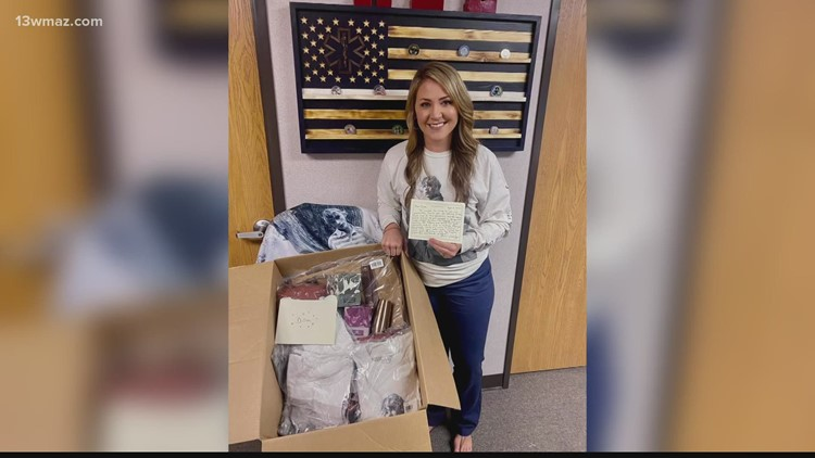 Georgia flight nurse receives surprise care package from superstar Taylor Swift