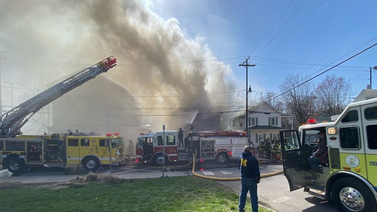 Apartment building fire leaves four displaced