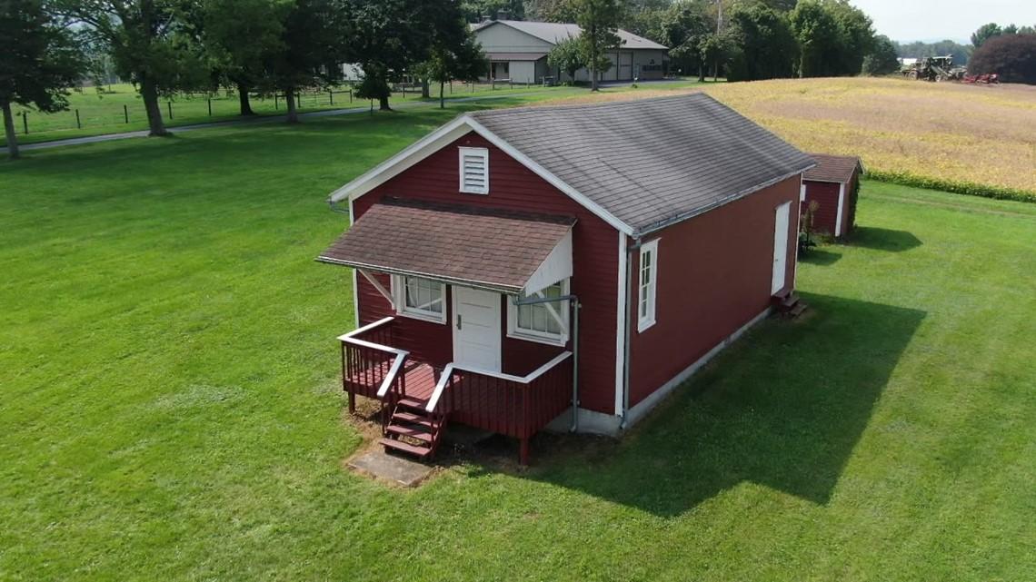 One-room schoolhouse - On The Pennsylvania Road