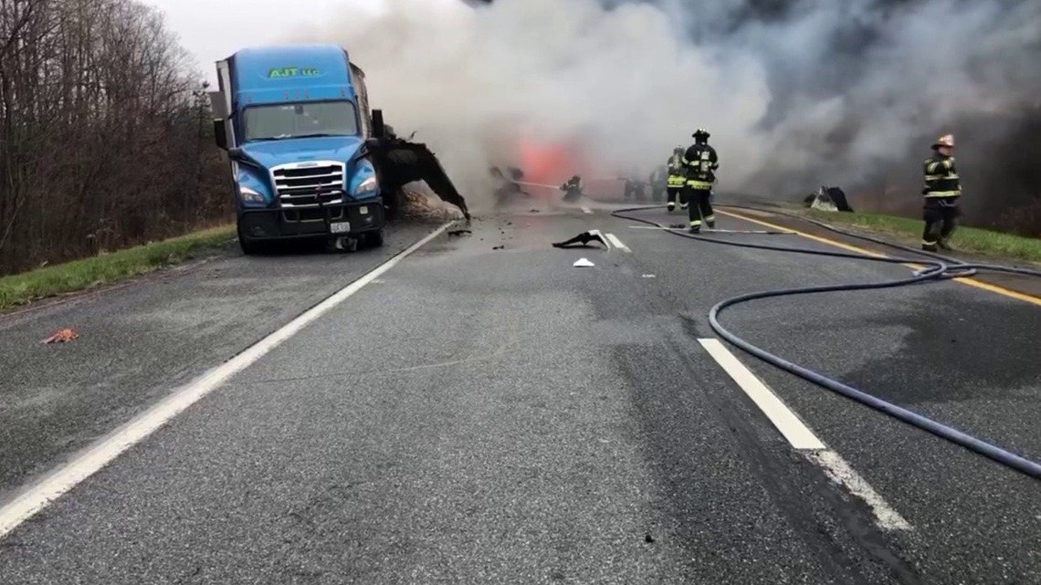 UPDATE: I-81 north in Schuylkill County reopened after vehicle fire