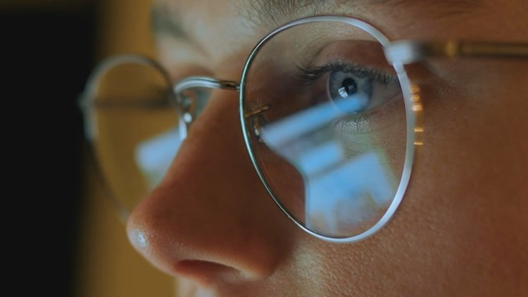 A year of screens: How more remote work & virtual learning affects our eye health