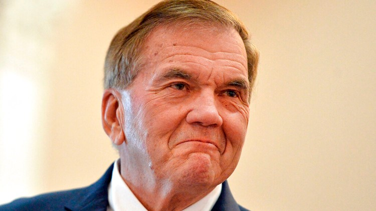 Aide says former PA governor, Homeland Security head Tom Ridge had stroke