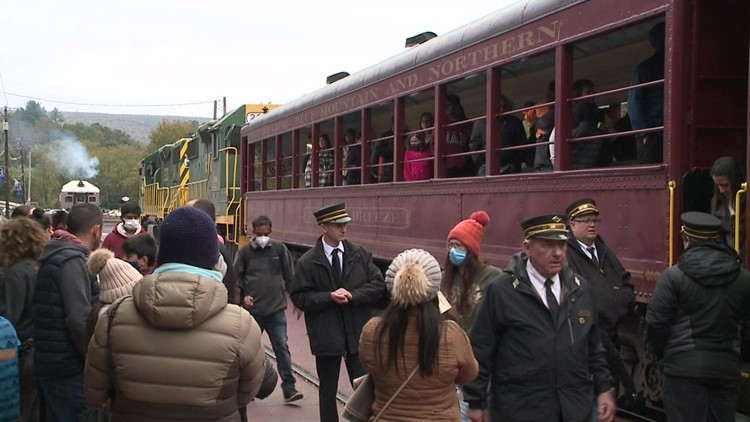Thousands pack Jim Thorpe for Fall Fest