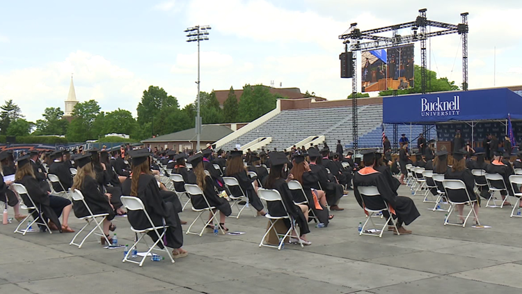 Bucknell honors grads amid controversy