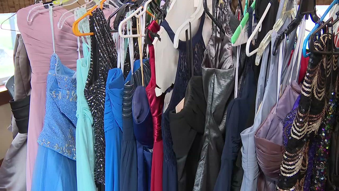 Free prom dress event in Columbia County
