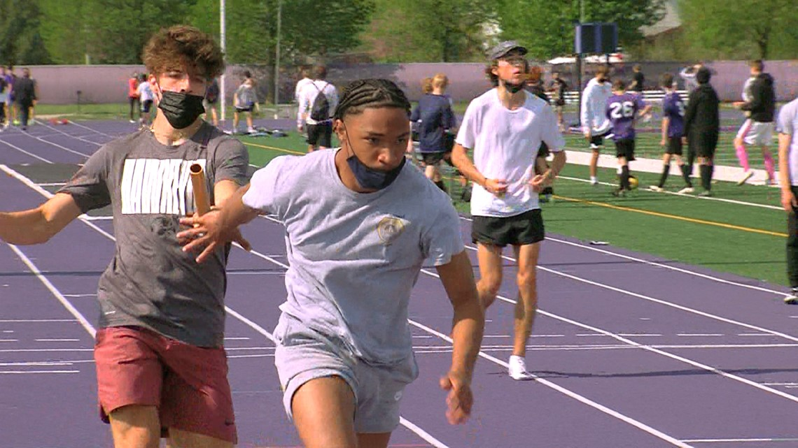 Waukee's Aaron Smith all-in on track