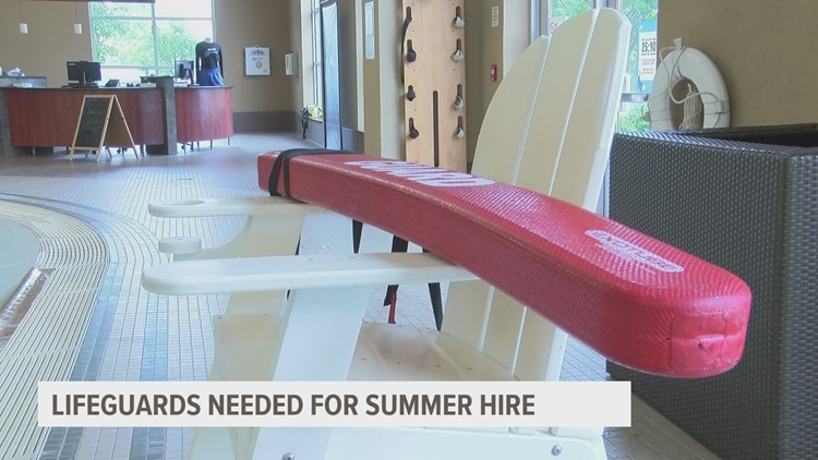 Lack of lifeguards forces gym to shorten pool hours