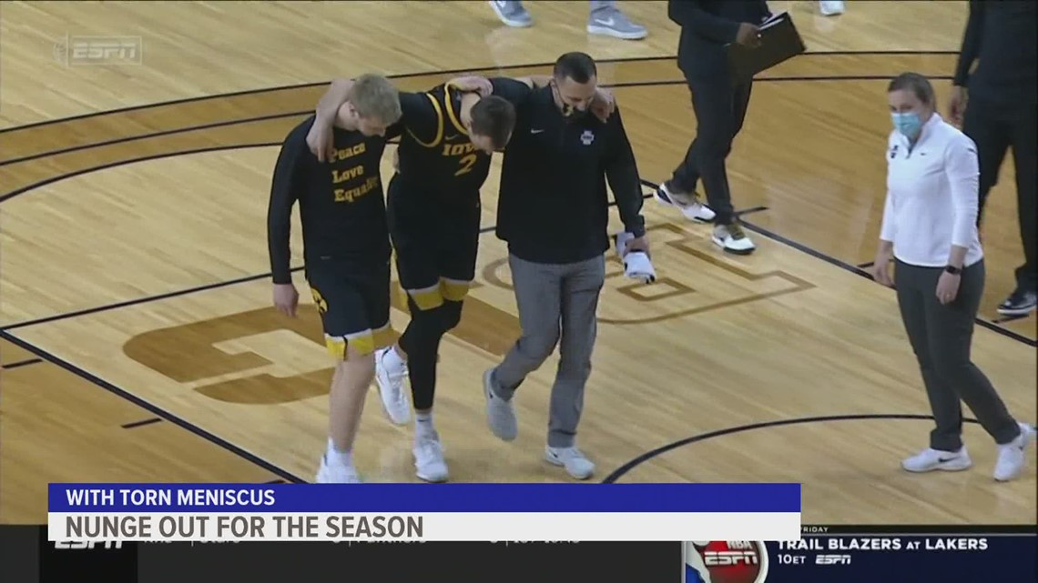Jack Nunge out for season following knee injury at Hawkeye-Michigan game