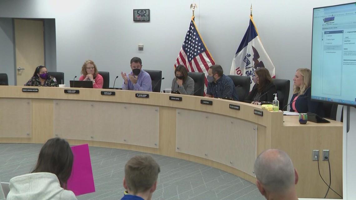 Johnston School Board votes to reinstate mask mandate
