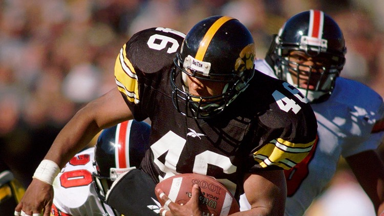 Betts returning to Iowa as assistant; Barnett new line coach