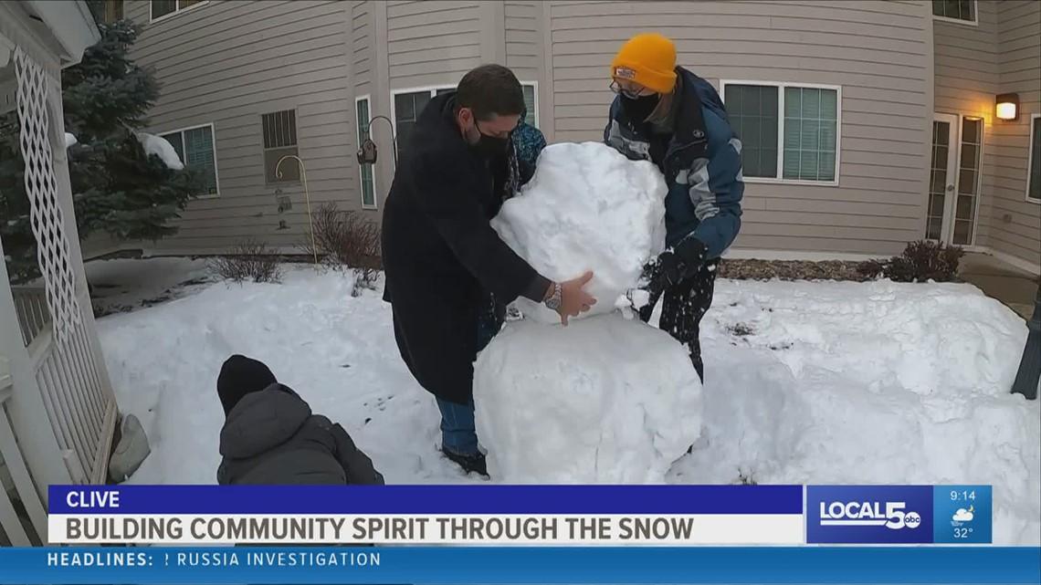 Cub Scouts surprise retirement community with snowmen