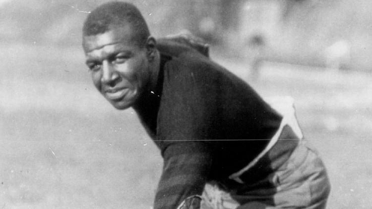 University of Iowa naming football field after Hall of Famer Duke Slater