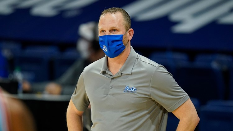 Drake agrees to 8-year contract extension with men's basketball coach Darian DeVries