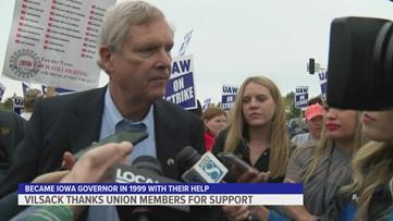 Former Gov. Tom Vilsack encourages striking UAW members
