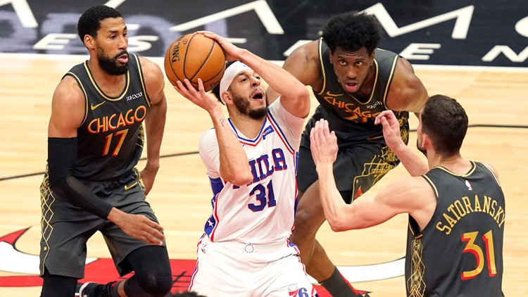 Harris, Curry lead 76ers past Bulls 106-94