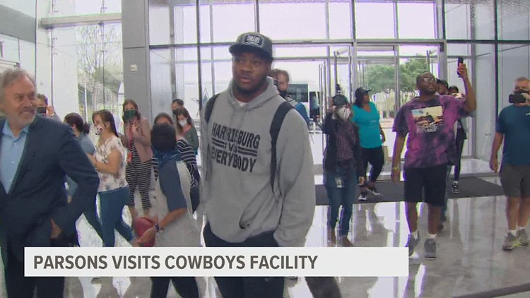 Parsons touches down in Dallas for Cowboys introduction