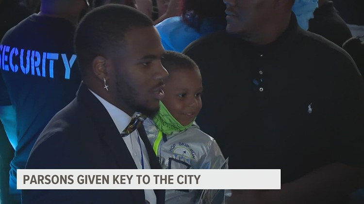 Parsons given key to the city