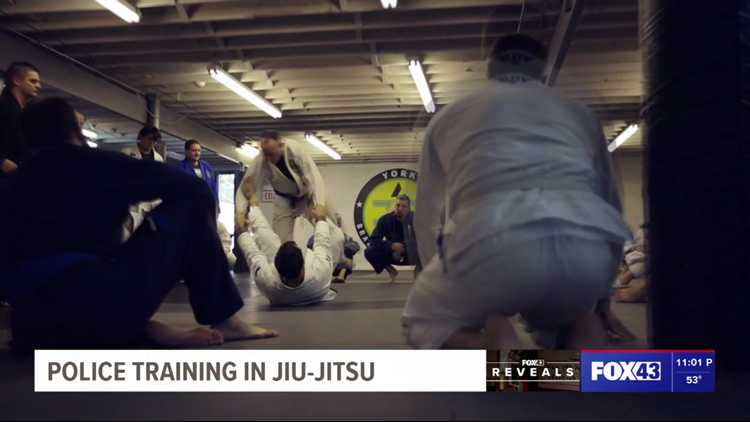 Brazilian Jiu-Jitsu training emerges as potential solution to help police avoid the use of force | FOX43 Reveals