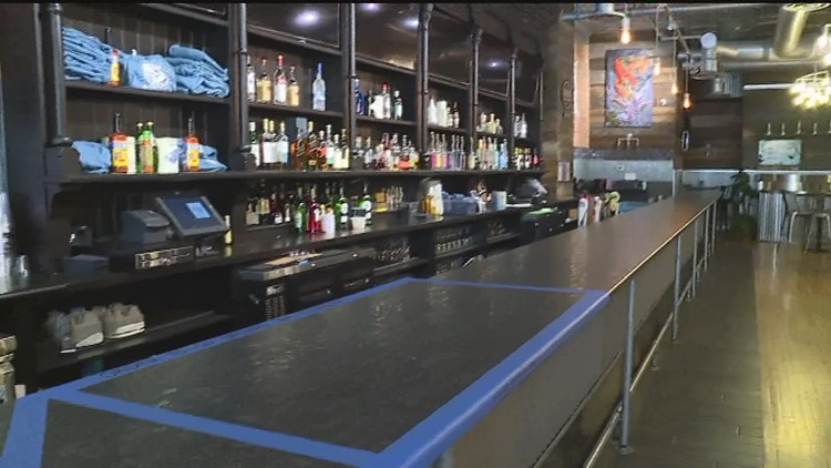 Restaurant and bar managers support proposed legislation to make to-go cocktails permanent