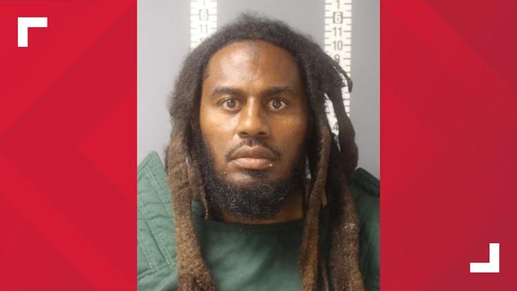 Policía: Hombre de Harrisburg intentó atropellar con su vehículo a seis peatones