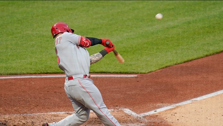 Naquin, Barnhart lead Reds to 14-1 rout of Pirates