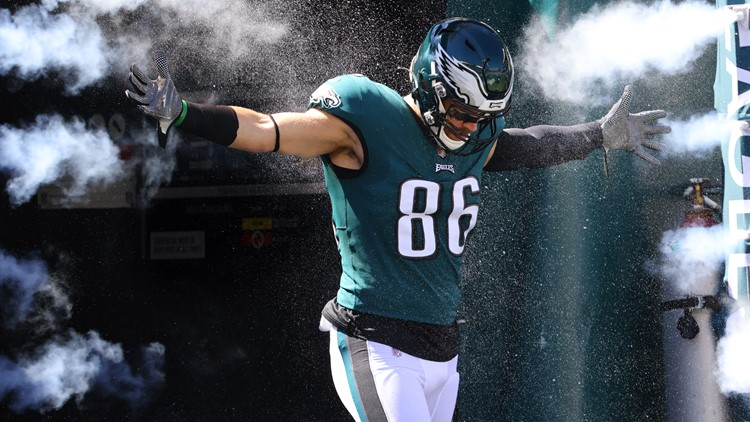 Eagles trade TE Zach Ertz to the Cardinals for CB Tay Gowan, 5th-round pick in 2022