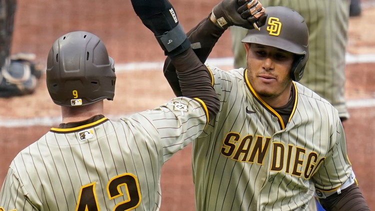 Machado homers, Padres earn split with Pirates in 8-3 win